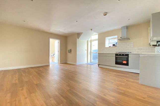 2 bed maisonette to rent in Pym Street, Plymouth PL1