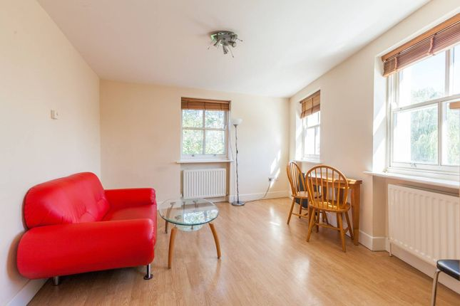 Thumbnail Flat to rent in Old Ford Road, Bow