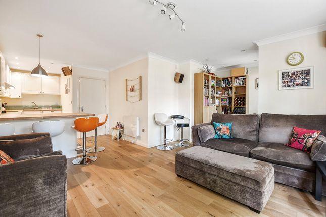 Thumbnail Flat to rent in Chatsworth Court, 241 Willesden Lane, London