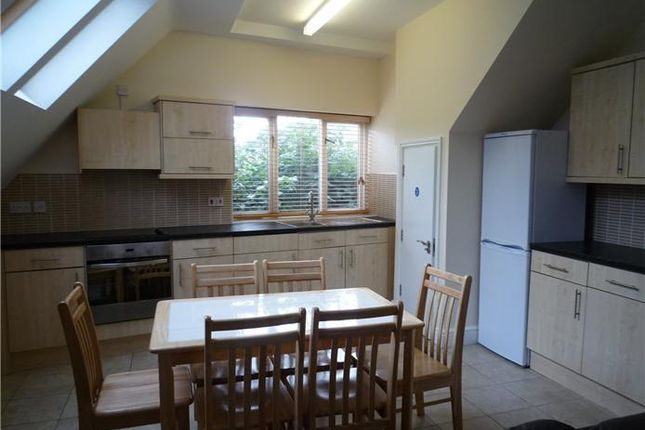 Thumbnail Shared accommodation to rent in Flat 2, 43 Mill Road, Cambridge