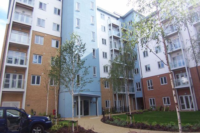 Thumbnail Flat to rent in Mill Street, Slough