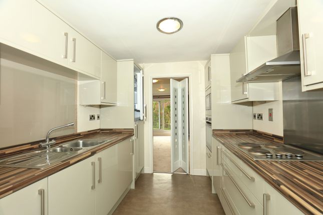 Thumbnail Flat for sale in Cliffenden Court, Saltburn Lane, Saltburn-By-The-Sea