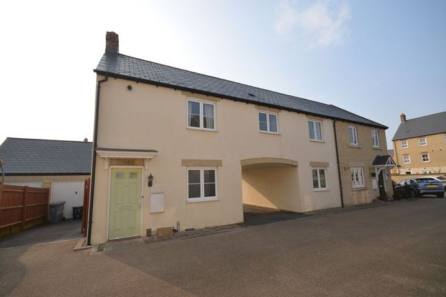Thumbnail Property to rent in Blackthorn Mews, Carterton