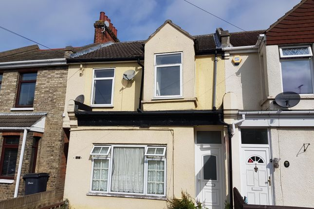 Thumbnail Maisonette to rent in Dudley Road, Clacton-On-Sea