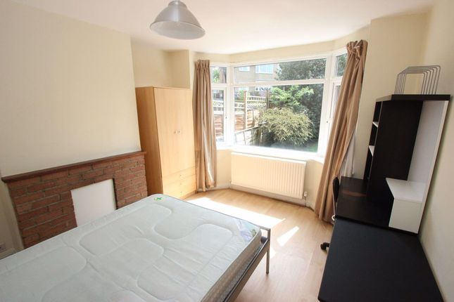 Room to rent in Brookfield Crescent, Headington, Oxford OX3