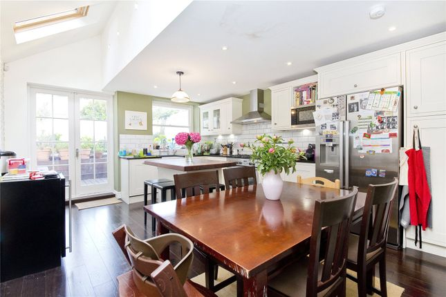 Thumbnail Terraced house to rent in Lavender Grove, Hackney