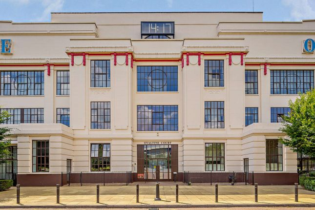 Thumbnail Flat for sale in Ovaltine Drive, Kings Langley