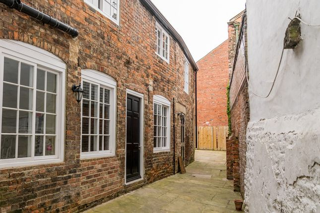Thumbnail Cottage to rent in Lowleys Court, 41 Kirkgate, Ripon