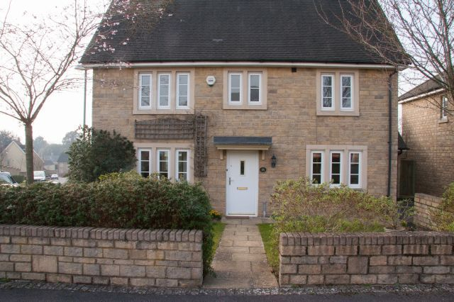 Thumbnail Detached house to rent in Roberts Close, Stratton, Cirencester