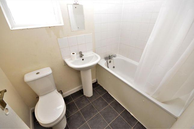 Bathroom of Brantwood Road, Luton LU1