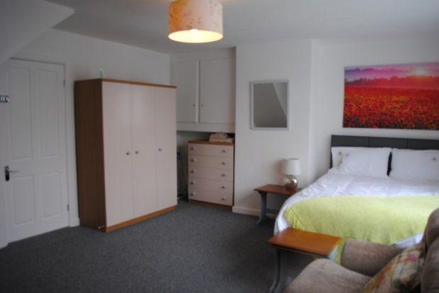 Thumbnail Room to rent in Henley Av, Cheadle Hulme