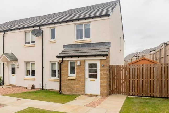 3 bed end terrace house to rent in 42 Whitehouse Gardens, Gorebridge EH23