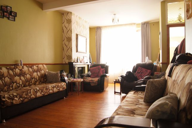 Thumbnail Terraced house to rent in Rays Avenue, Edmonton
