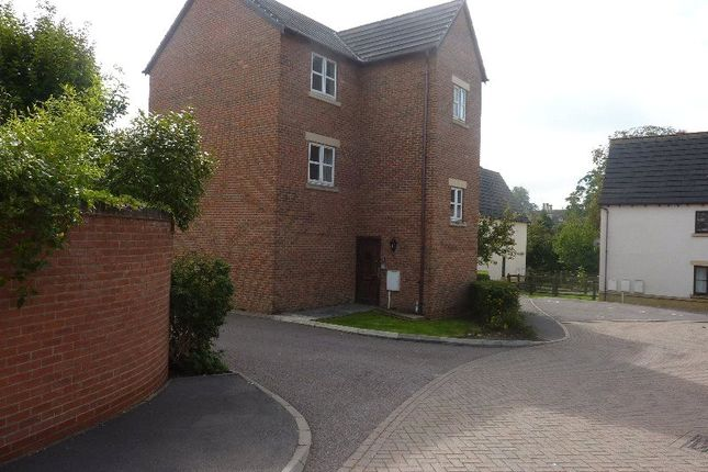 Thumbnail Flat to rent in Court View, Stonehouse, Gloucestershire