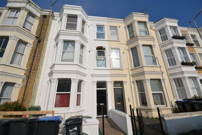 Thumbnail Flat to rent in Gordon Road, Cliftonville