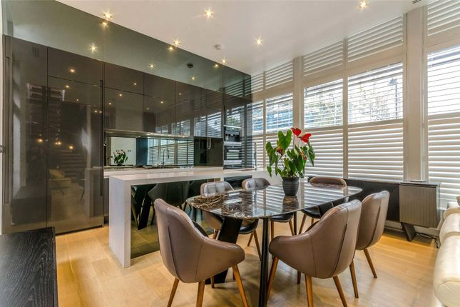 Thumbnail Terraced house for sale in Halliford Street, London
