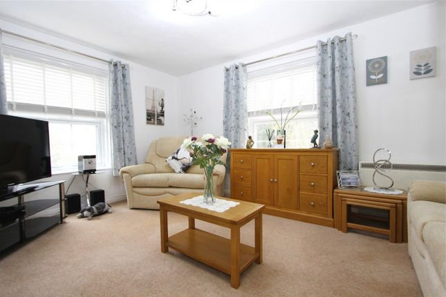 2 bed flat for sale in Gravel Hill Road, Yate, South Gloucestershire BS37