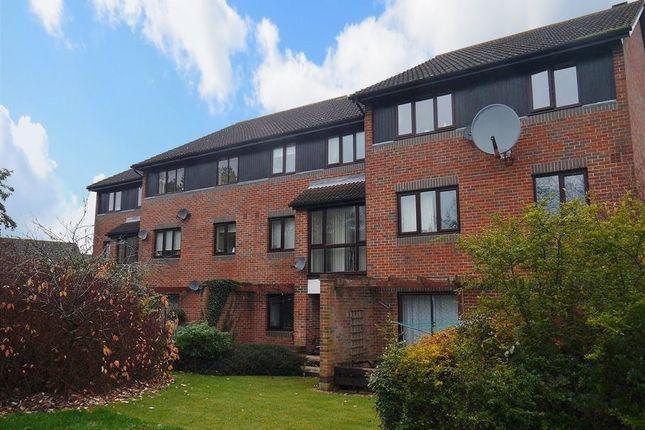 Thumbnail Flat to rent in Eldridge Close, Abingdon-On-Thames