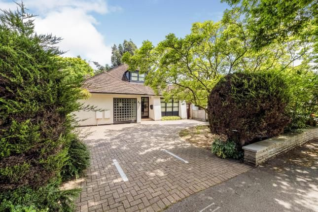 Thumbnail Bungalow for sale in South Woodford, London, Uk