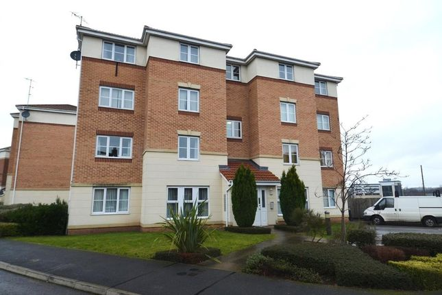 2 bedroom flat to rent in Harrow House, Spinner Croft, Derby Road