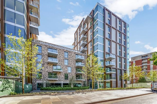 Exterior of 16 Woodberry Down Finsbury Park, London N4