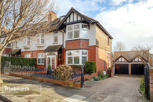 Thumbnail Flat for sale in Wilbury Crescent, Hove, East Sussex