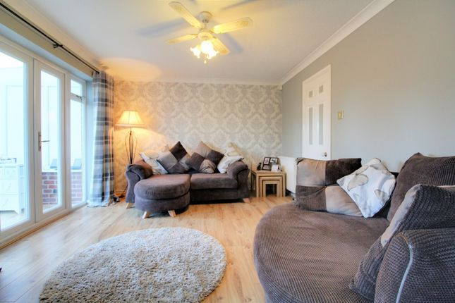 Thumbnail Terraced house for sale in Albert Road, Bagshot, Surrey