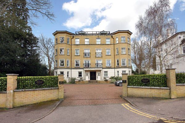 Thumbnail Flat to rent in Bishop Down Park Road, Tunbridge Wells
