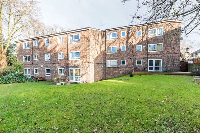 Picture No. 16 of Ruskin Court, 4 Champion Hill, London SE5