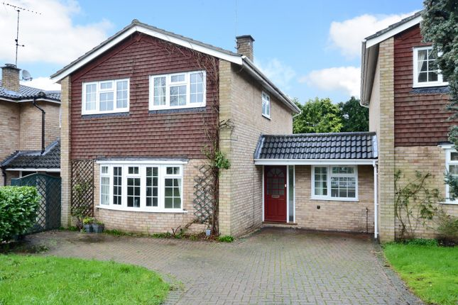 Thumbnail Link-detached house for sale in Glenhurst Close, Blackwater, Camberley