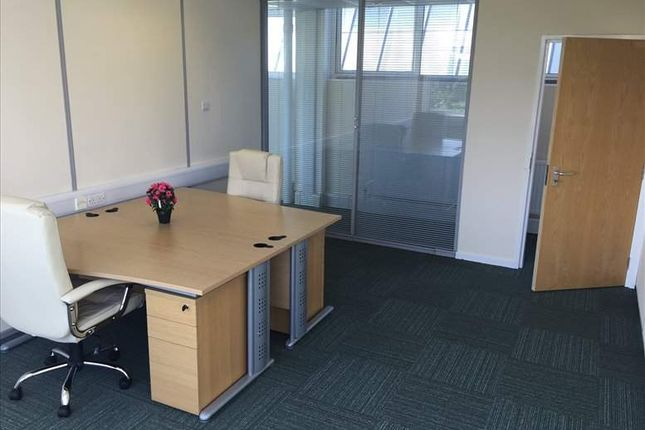 Serviced office to let in Prospect Park, Leeds