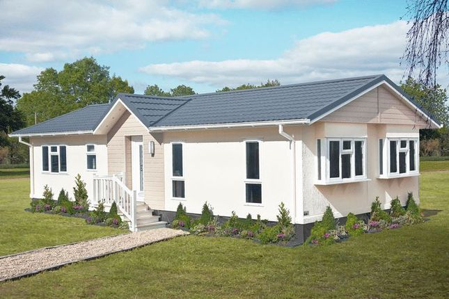 Thumbnail Detached bungalow for sale in Station Road, Salford Priors, Evesham