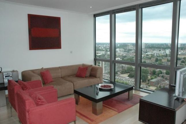 Thumbnail Flat to rent in No. 1 West India Quay, Hertsmere Road, Canary Wharf, London