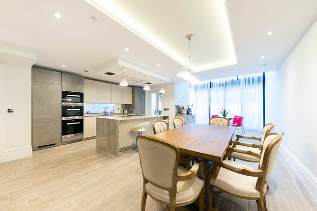 Thumbnail Property to rent in Marryat Place, London