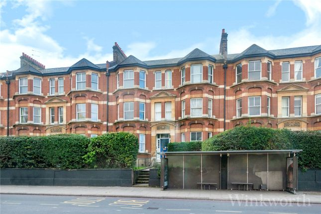 4 bed flat to rent in New Cross Road, London SE14