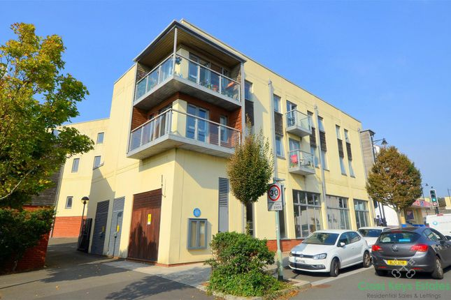 Thumbnail 2 bed flat for sale in Park Avenue, Devonport, Plymouth
