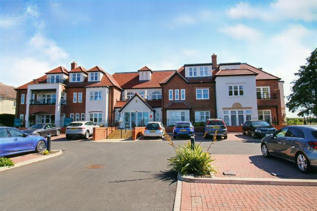 Thumbnail Flat for sale in Orchard Gate, Banbury Road, Stratford-Upon-Avon
