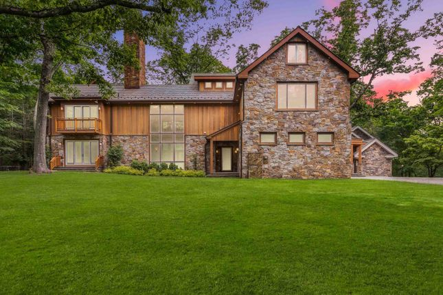 Thumbnail Town house for sale in 124 Davids Hill Rd, Bedford Hills, Ny 10507, Usa