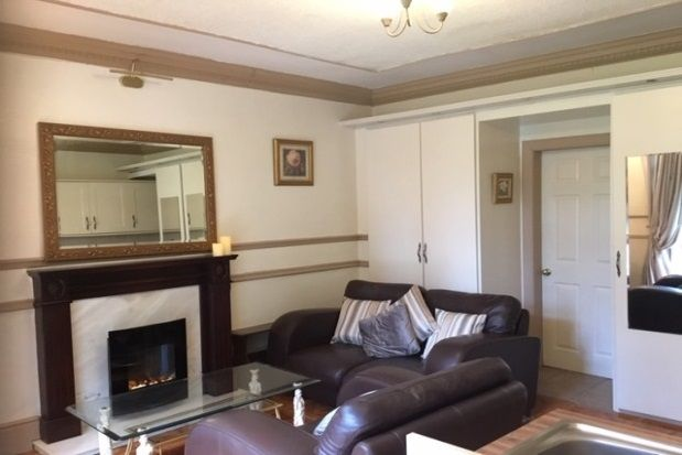 Thumbnail Cottage to rent in Mearns Road, Newton Mearns, Glasgow