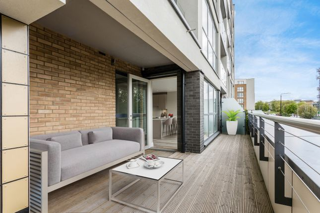 Thumbnail Flat for sale in Station Road, New Southgate