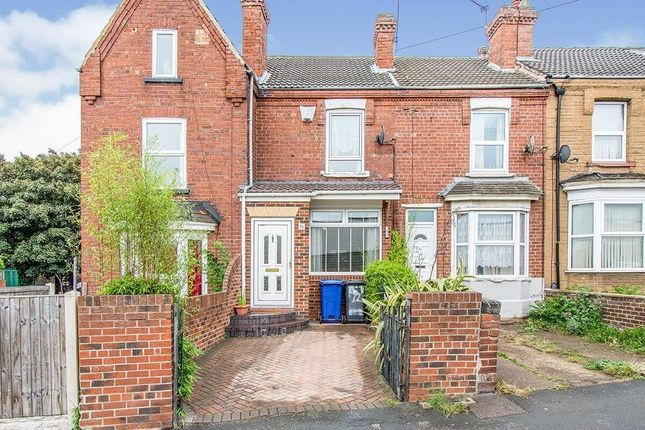 Thumbnail Terraced house to rent in Queens Road, Doncaster