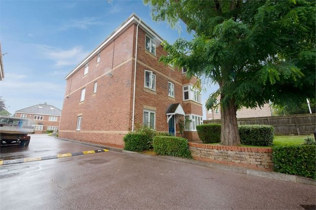 3 bed flat for sale in The Brambles, Headington, Oxford OX3