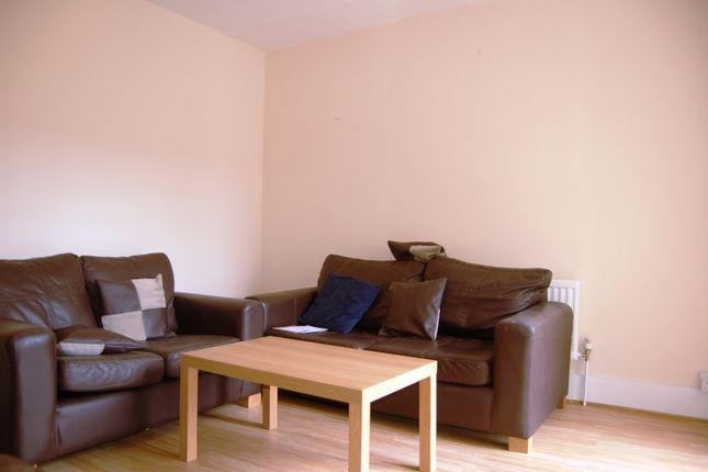 5 bed terraced house to rent in Charles Street, Oxford