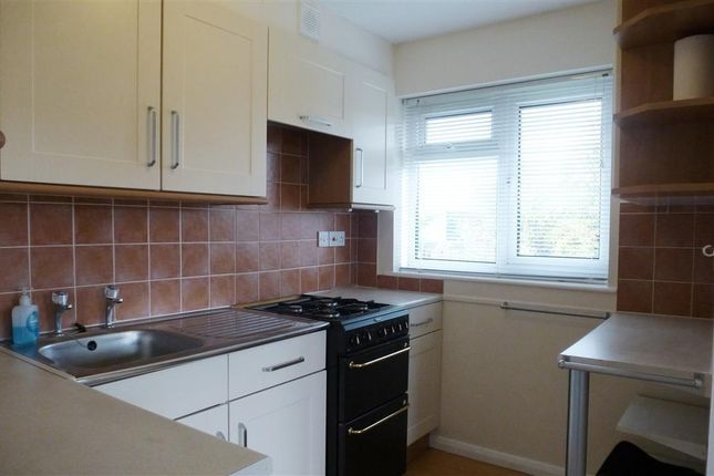 Thumbnail Flat to rent in Darwin Close, Staplegrove, Taunton