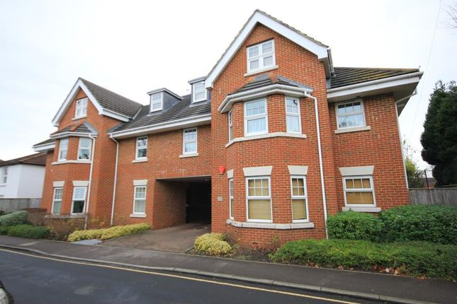 Thumbnail Flat to rent in Portugal Road, Woking