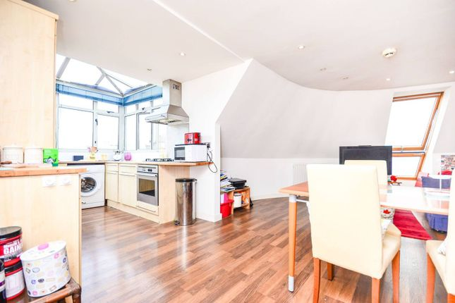 Thumbnail Flat to rent in Devonshire House, Isle Of Dogs
