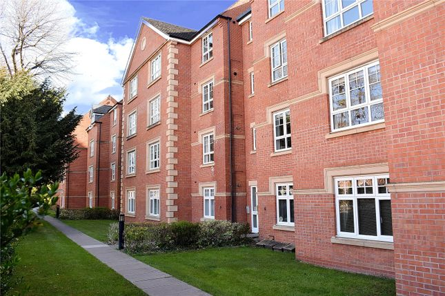 Thumbnail Flat to rent in St. Andrews Road, Droitwich Spa
