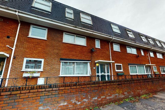 2 bed maisonette for sale in Wycliffe Court, Urmston, Manchester M41