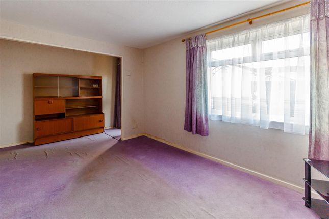 8408528-Interior12