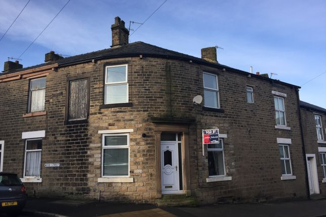 Thumbnail End terrace house to rent in Gladstone Street, Glossop